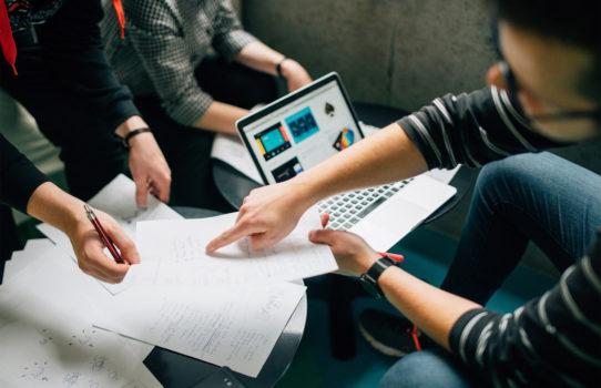 Как привлечь первые инвестиции на развитие стартапа? | Rusbase
